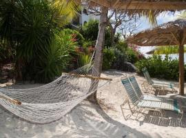 Hotel Photo: Caribbean Beachfront Condo, St Thomas USVI Cowpet Beach West