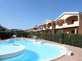 A picture of the hotel: Casa Vacanze Murta Maria - Trilocale con piscina