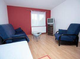 A picture of the hotel: Family Room Bilje 14318e