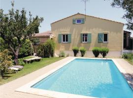 Hotel Photo: Holiday Home Molleges Les Acacias
