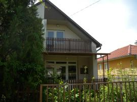 Hotel Photo: Holiday home in Balatonmariafürdo 19565