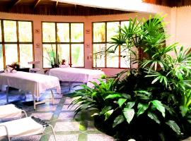 A picture of the hotel: Hotel Rio Perlas Spa & Resort