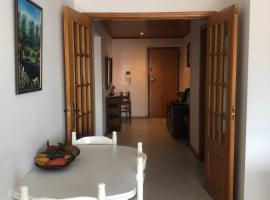 A picture of the hotel: Apartamento Rio de Mouro Rinchoa