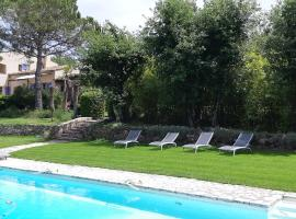 Hotel Photo: B&B Charming suite and pool
