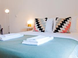 Hotel photo: Amazing Open Space Apt in downtown Baixa