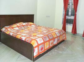 A picture of the hotel: 3 rooms in an apartment in Hyderabad, by GuestHouser 17963