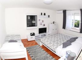 Hotel photo: Studio apartman Ivona