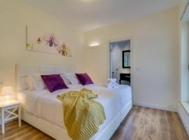 Hotelfotos: Luxury 4 Bedroom, Spacious and Central Apartment!