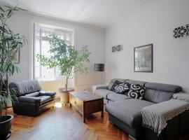 A picture of the hotel: Very big apartment 107sqm near Valmy district