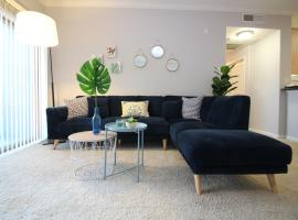 Hotel Photo: West Hollywood Deluxe Suite   2BR&2BT   Pool   Free Parking