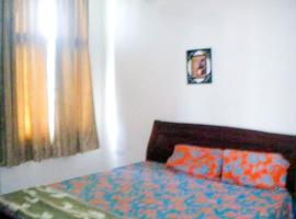 Hotel Photo: Homestay with a pool in Chennai, by GuestHouser 38624