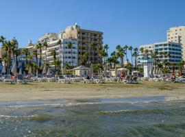 Hotel Photo: Les Palmiers Beach Hotel