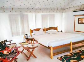 Hotel photo: 1-BR tent in Ramnagar, by GuestHouser 8893