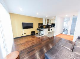 Hotel photo: Modern Sophisticated Penthouse near London's financial centre