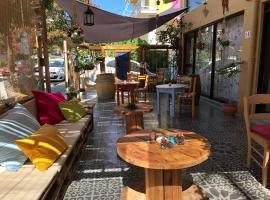 호텔 사진: Rhodes Backpackers Boutique Hostel