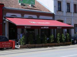 A picture of the hotel: Triple Room Osijek 15994b