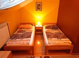 A picture of the hotel: Triple Room Osijek 15994d