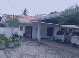 A picture of the hotel: puneevilla