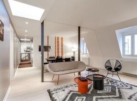 A picture of the hotel: Charming Apartment Neumarkt