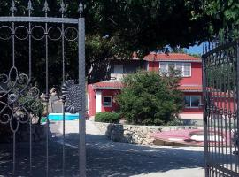 Hotel photo: Holiday home in Klis/Split Riviera 34883