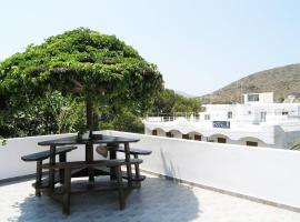 Hotel Photo: Areti's Milos Rooms