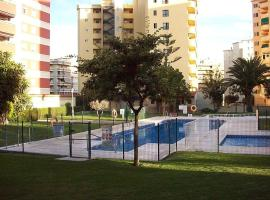 A picture of the hotel: casa con piscina,jardin,playa