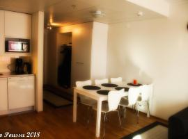 Hotel Photo: Wonderful spacious apartment with glazed balcony,