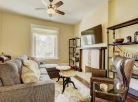 Hotel Photo: Large 4 BR Vacation House in DT Denver - Sleeps 14