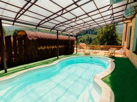 Hotel Photo: Bridge Mountain Krasnaya Polyana