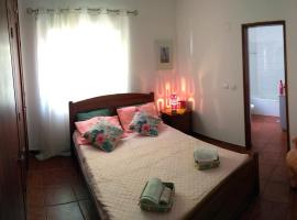 Hotel photo: Charming apartment in quiet central Tavira