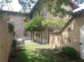 A picture of the hotel: Grazioso rustico di campagna