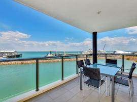 Hotel Photo: Waterfront Apartment 6206