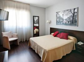 Hotel near Barajas airport : Hostal T4