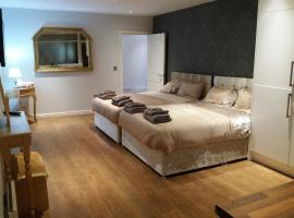 A picture of the hotel: Socialite Apartments - PAD 1 - Liverpool City Centre