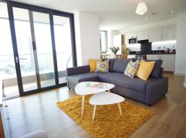 Hotel photo: London Excel - O2 Arena - London City Airport Modern 2 Bed Apartment
