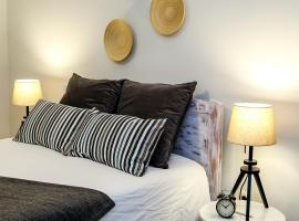 A picture of the hotel: Cosy Apartment - Amadora