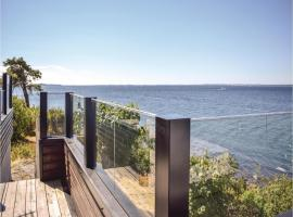 Hotel Photo: Three-Bedroom Holiday Home in Dilling