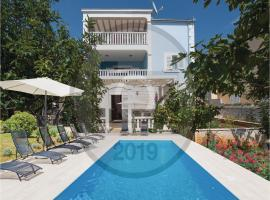 Hotel photo: Two-Bedroom Apartment in Kalebova Luka