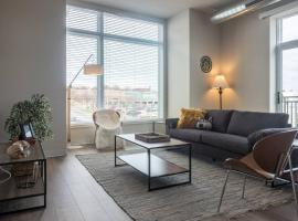 Hotel Photo: Modern, Industrial 2BR on Riverfront