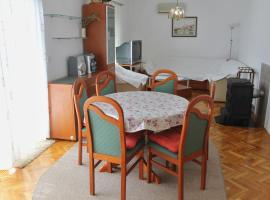 A picture of the hotel: Apartman Miro