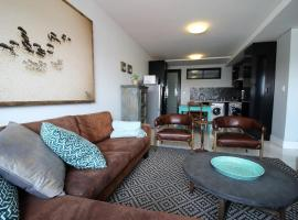 A picture of the hotel: Luxury Apartment 77 Independence