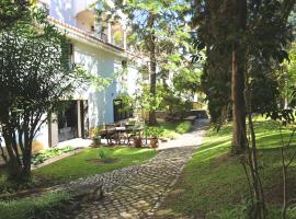 Hotel photo: Estoril Living: 3BR in private condo FREE WIFI