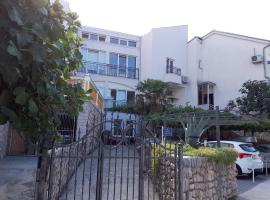 Hotel Photo: One-Bedroom Apartment in Selce VII