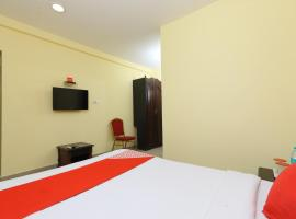 A picture of the hotel: OYO 15379 BKR Convention Centre