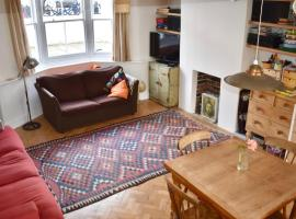 A picture of the hotel: 3 Bedroom House with Garden in Hove