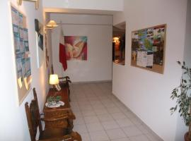 Hotel near  Luqa  airport:  Bowyer House