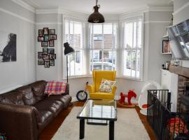 Hotel Photo: 4 Bedroom House with Roof Terrace in Brighton