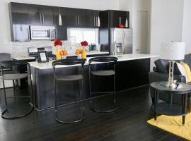 A picture of the hotel: Modern East Downtown Houston Condo