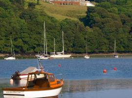 Hotel Photo: Macdonald Kinsale Hotel, Spa & Lodges