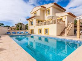 Hotel photo: Calpe Villa Sleeps 16 Pool Air Con WiFi